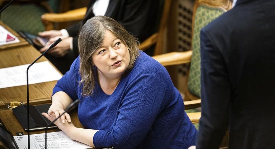 S vil have udenrigsministeren i samråd.