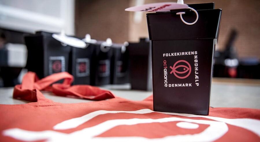 15.000 frivillige danskere trodsede kulden og indsamlede 11 millioner kr. til Folkekirkens Nødhjælps landsindsamling.
