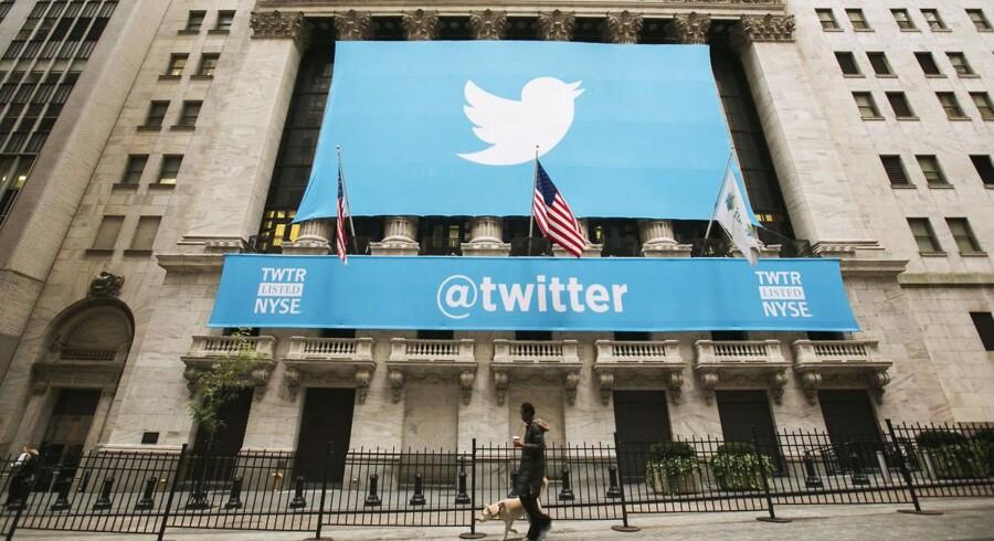 Twitter har stævnet den amerikanske regering og forbundspolitiet FBI, fordi selskabet ikke må fortælle, hvor ofte myndighederne kræver brugernes private oplysninger udleveret. Twitter kalder det forfatningsstridigt. Arkivfoto: Lucas Jackson, Reuters/Scanpix