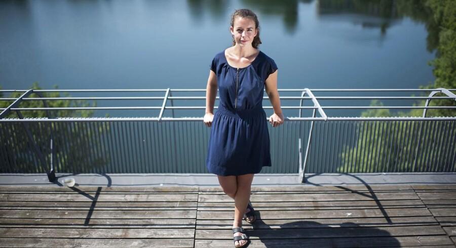 Therese Evalds far, som udsatte hende for vold, døde for fire år siden. I dag har den 23-årige økonomistuderende taget den beslutning, at hun ikke vil se ham som et monster.