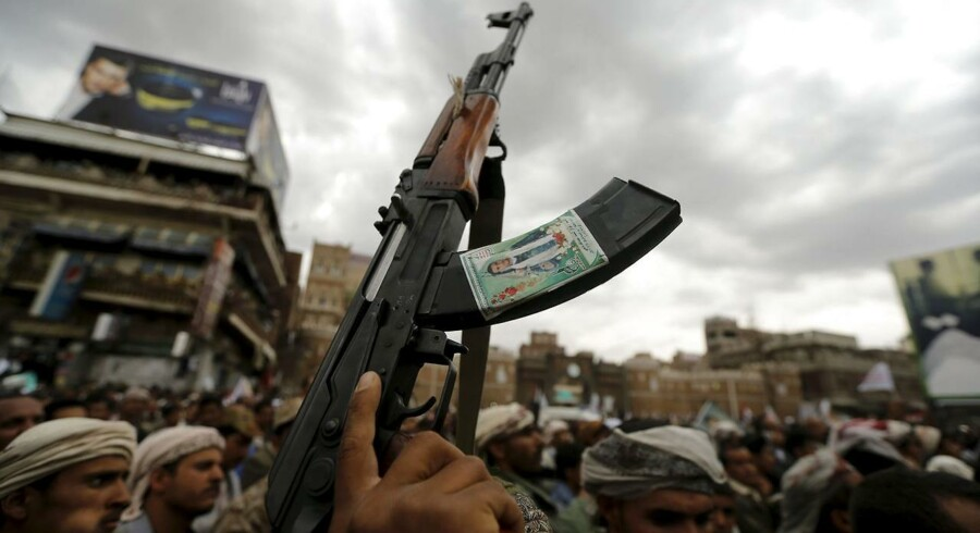 Shiamuslimske oprørere i Yemen har været i stand til at drive landets sunnimuslimske præsident på flugt. Det har fået Saudi-Arabien til at engagere sig militært, af frygt for, at shiaoprøret skal brede sig i regionen.