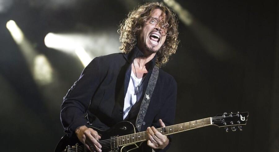 Grunge-ikonet Chris Cornell døde blot få timer efter at være gået af scenen efter en Soundgarden-koncert. Han blev 52. Her er han på scenen i 2014.