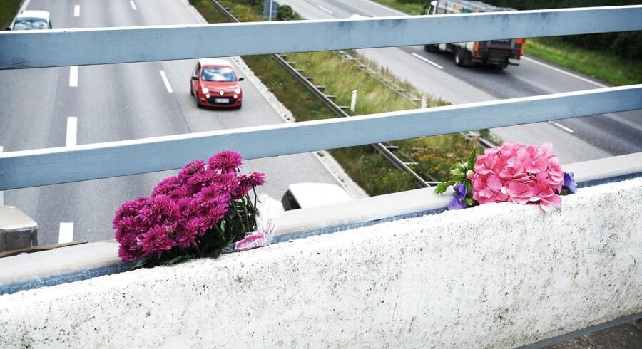 Arkivfoto: Det er i dag et år siden, at en tysk familie i bil blev ramt af en betonklods.