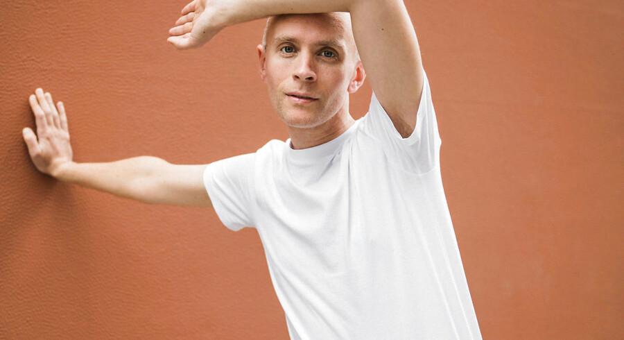 Svenske Jens Lekman sang uforligneligt om sin ven med den 3D-printede tumor.