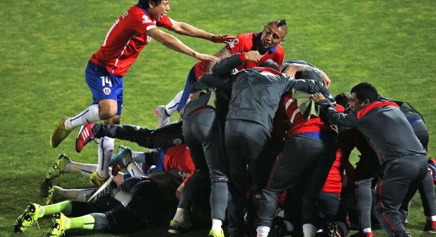 Vild chilensk jubel efter sejren i Copa America-kvartfinalen over Uruguay.