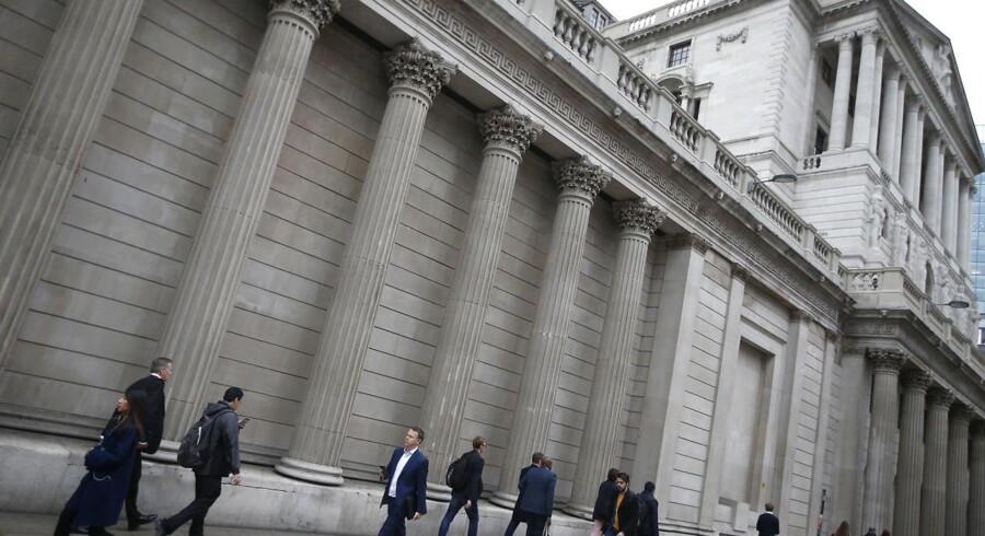 Udfaldet af torsdagens rentemøde i den britiske centralbank, Bank of England, er overraskende, lyder udmeldingen fra Kim Blindbæk, der er makroanalytiker i Sydbank.