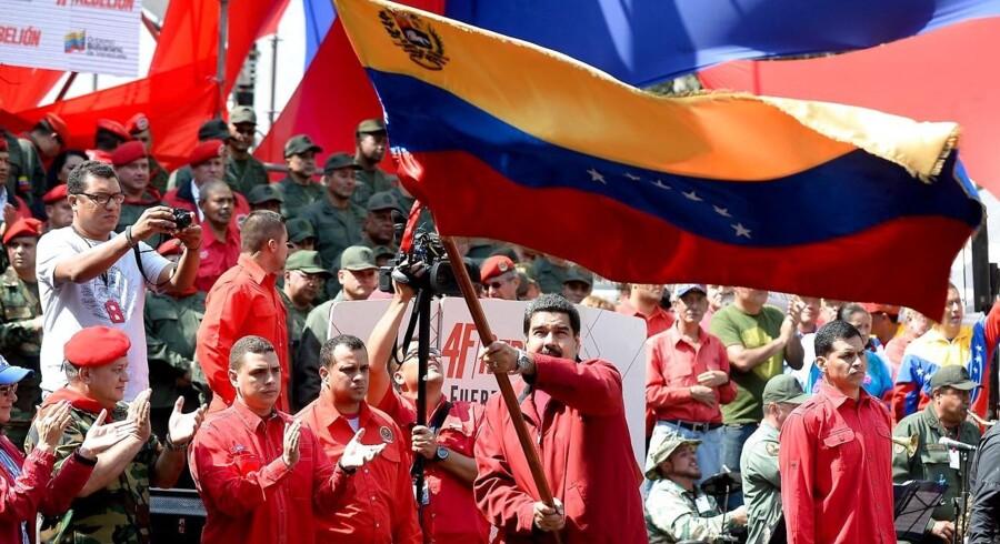 Præsident Nicolas Maduro er under hårdt pres fra udenlandske kreditorer og fra sit eget folk, der ikke synes indstillede på store reformer.