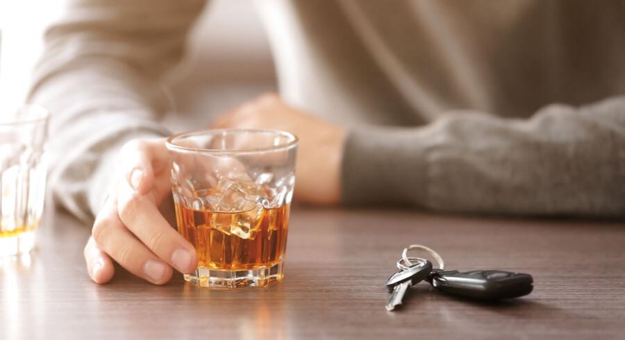 En nordmand får fængselsstraf og en stor bøde for at sætte sin bil i bevægelse efter at have drukket tæt.
