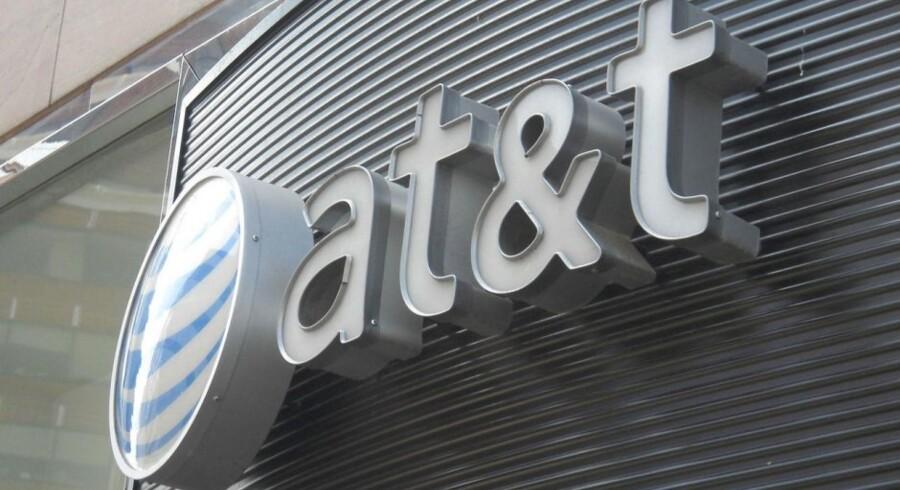 Af AT&T's nye strategi fremgår det, at telegiganten forventer fremgang de kommende tre år. Allerede i år vil både overskuddet og indtjeningen stige.