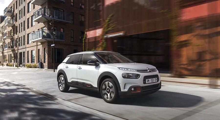 Citroën C4 Cactus karakteriseres nu som hatchback, så den interne konkurrence med den nye C3 Aircross ikke bliver for åbenlys. Faceliftet gør derfor op med de store Airbumps og store ulakerede flader.