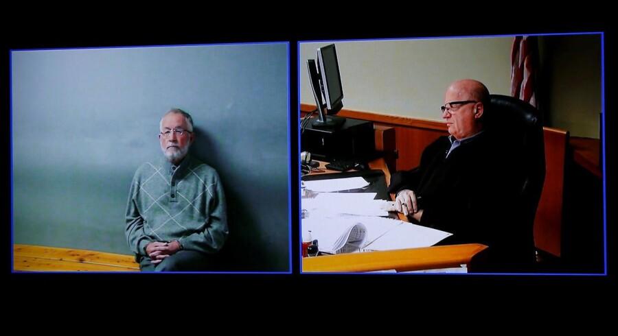 Strampel havde ansvaret for at overvåge den klinik, hvor Nassar arbejdede. Men ifølge anklageren forsømte han at følge op på de restriktioner, han selv havde pålagt lægen. Den nu 70-årige eksdekan er også anklaget for at være i besiddelse af nøgenbilleder af kvindelige studerende.