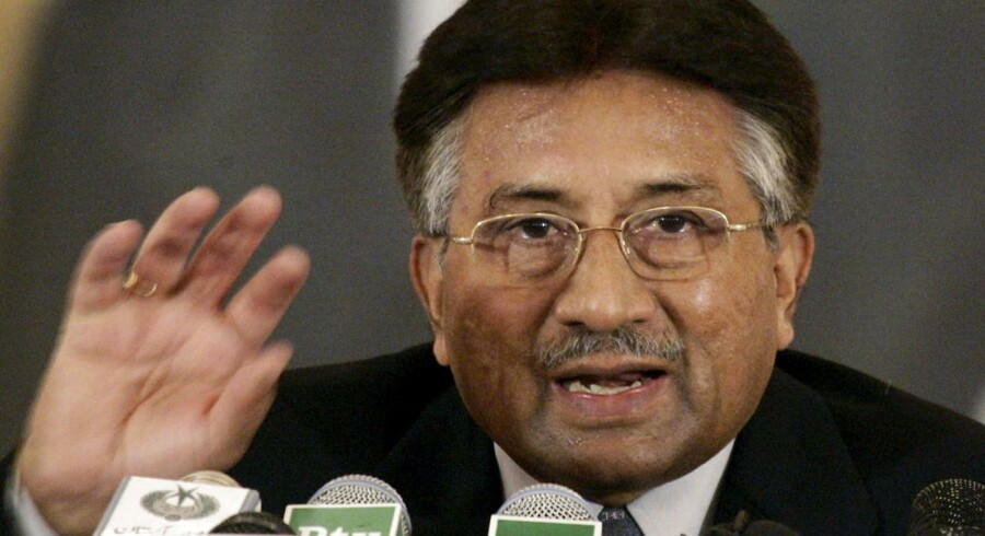 Arkiv: Pakistans tidligere præsident Pervez Musharraf under en pressekonference i Islamabad.