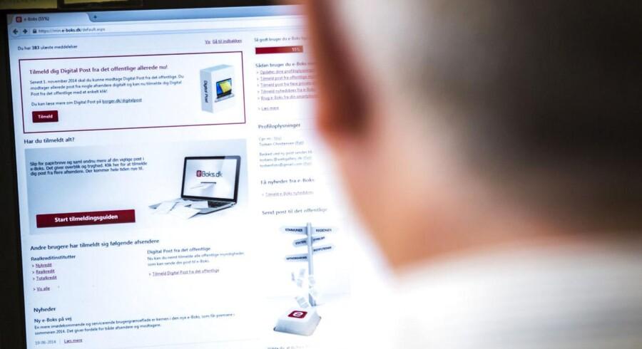 Danskerne kan på flere og flere områder udelukkende betjene sig selv digitalt, for papiret er afskaffet for at spare milliarder af offentlige kroner. Arkivfoto: Sophia Juliane Lydolph, Scanpix