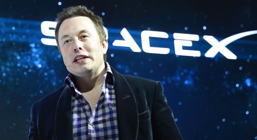 Elon Musk er blevet milliardær på PayPal og har siden kastet sin lidenskab på elbiler med Tesla og rumfart gennem SpaceX.