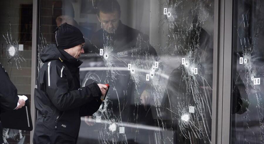 Politiets teknikere arbejder ved Krudttønden i dagene efter terrorangrebet. Arkivfoto: Liselotte Sabroe