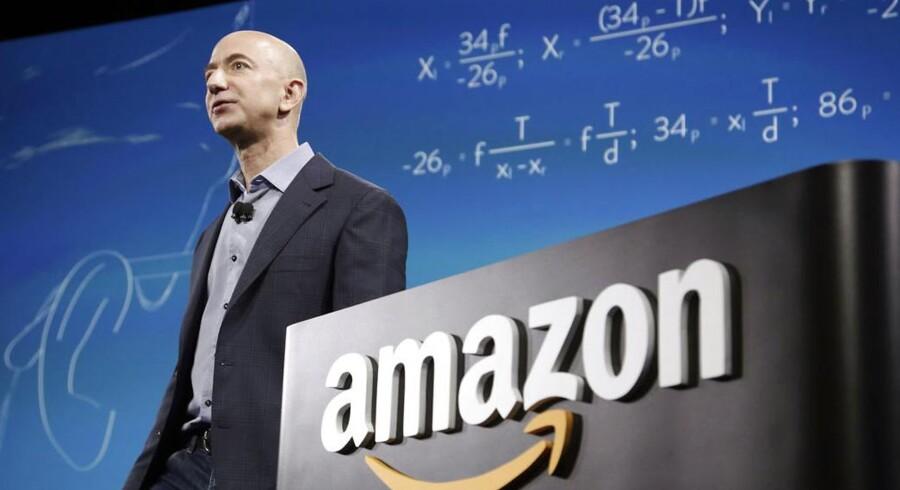 Amazons stifter og topchef, Jeff Bezos. Han har endelig fået held med bundlinjetallene, og det smitter af på hans personlige formue.