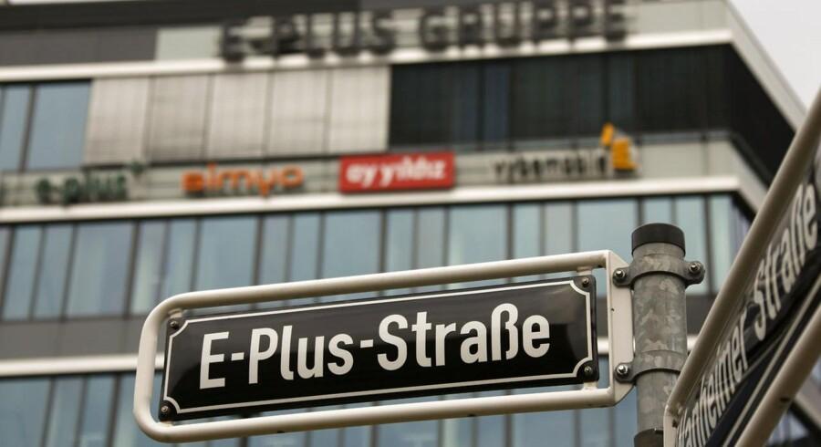 Salget af det tyske mobilselskab E-Plus har hensat hele den europæiske televerden i et vakuum, fordi man afventer EUs accept. Kommer den, vil det åbne for en bølge af opkøb og fusioner, muligvis også i Danmark. Arkivfoto: Wolfgang Rattay, Reuters/Scanpix