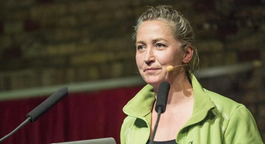 Den kendte forfatter Lisbeth Zornig Andersen er blevet sigtet for menneskesmugling. Det oplyser Radio24syv.