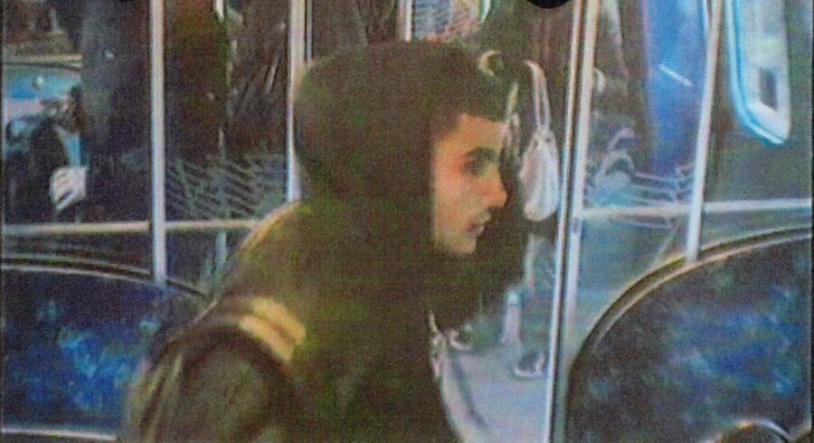 Den formodede gerningsmand bag attentatet mod kulturhuset Krudttønden, Omar El-Hussein, blev fanget af overvågningskameraer både i metroen og cyklende på Købmagergade i København. Nu tyder meget på, at også Københavns Kommune havde mulighed for at følge Omar El-Hussein tættere, end det skete. Foto: Politiet