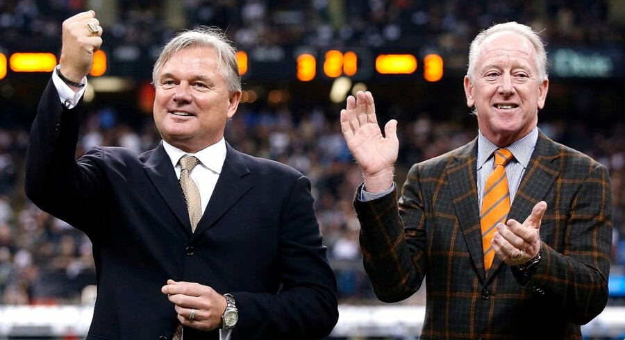 NEW ORLEANS, LA - DECEMBER 21: Former New Orleans Saints kicker Morten Andersen (L) stands with Archie Manning as he is inducted into the Saints Ring of Honor during halftime of a game against the Detroit Lions at the Mercedes-Benz Superdome on December 21, 2015 in New Orleans, Louisiana. Sean Gardner/Getty Images/AFP == FOR NEWSPAPERS, INTERNET, TELCOS & TELEVISION USE ONLY ==