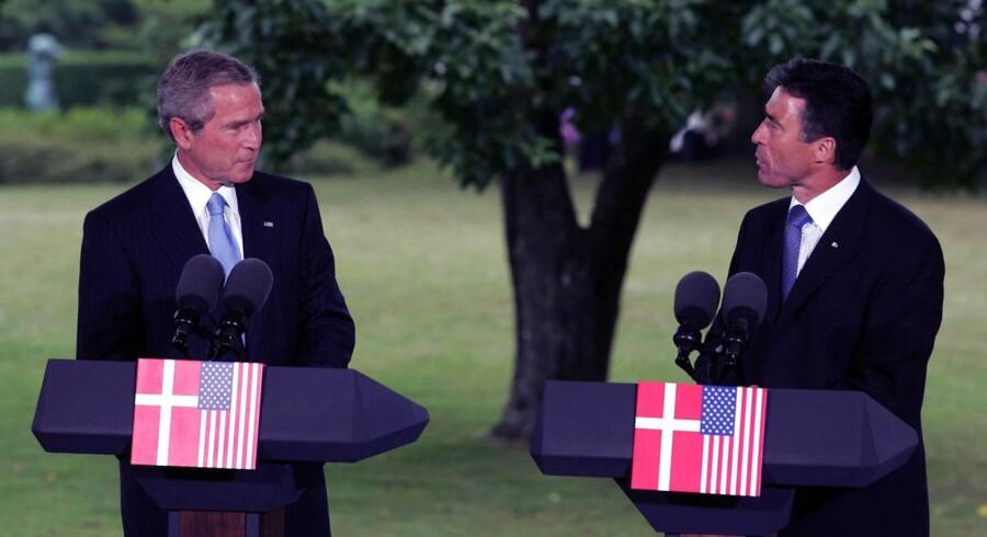 USA præsident George Walker Bush besøgte i 2003 statsminister Anders Fogh Rasmussen (V) i Danmark.