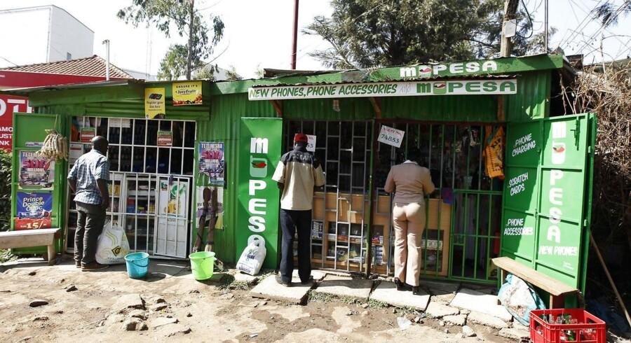 Mobiltelefonen bliver brugt til at handle stort set alle dagligvarer i Kenya.