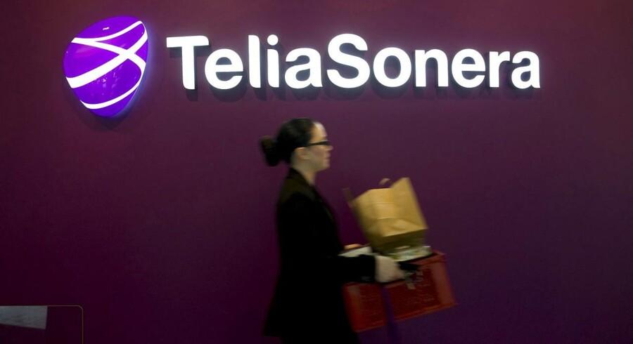 Teliasonera-aktien falder 4,5 pct. på børsen i Stockholm torsdag, hvor stemningen ellers generelt er til den positive side.