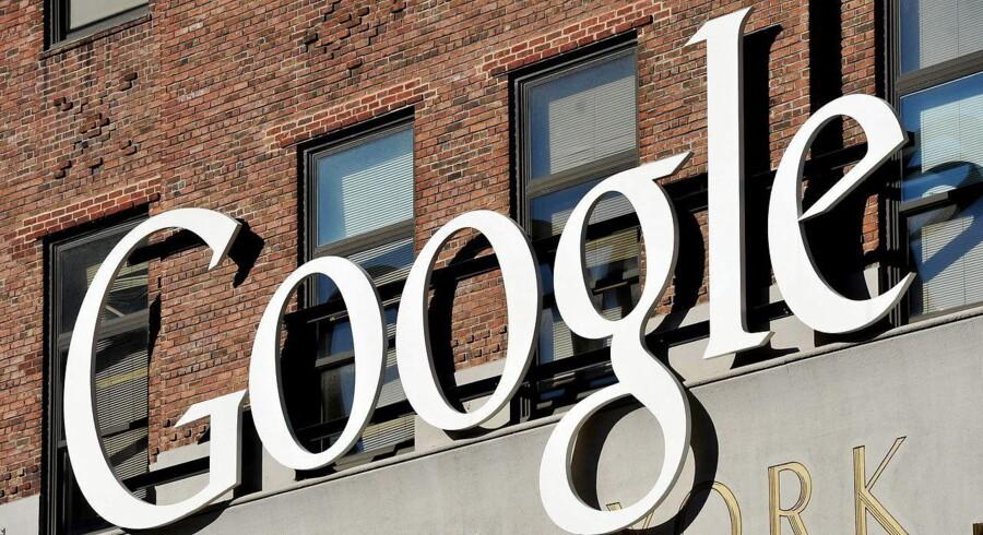 Google begynder nu at spærre for sider, som folk har ønsket fjernet fra søgeresultaterne, når europæere bruger Googles søgemaskine i lande uden for Europa. Arkivfoto: Justin Lane, EPA/Scanpix
