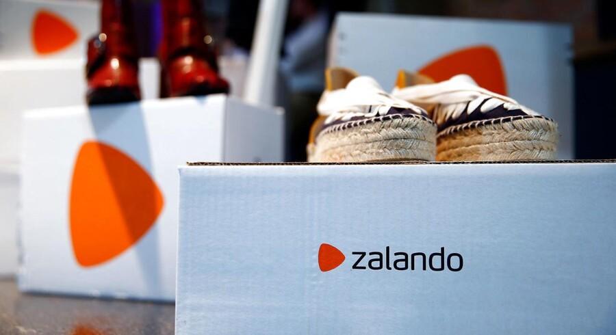 Tøj, sko og andre modevarer flyver ud af Zalandos lagre i fortsat stigende hastighed, men indtjeningen følger ikke med.