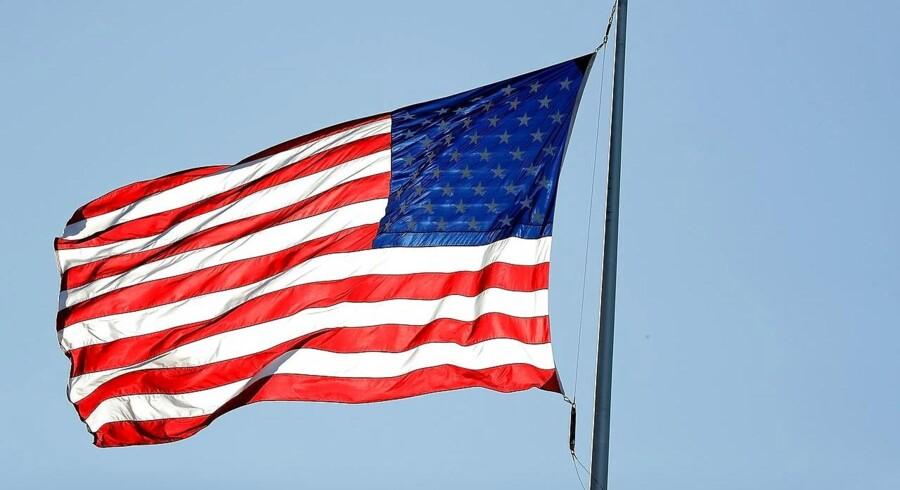 Arkiv: Det er ikke tilladt at flage med det amerikanske flag i Danmark, medmindre du har særlig tilladelse. Det står i en fortsat gældende bekendtgørelse fra 1915.
