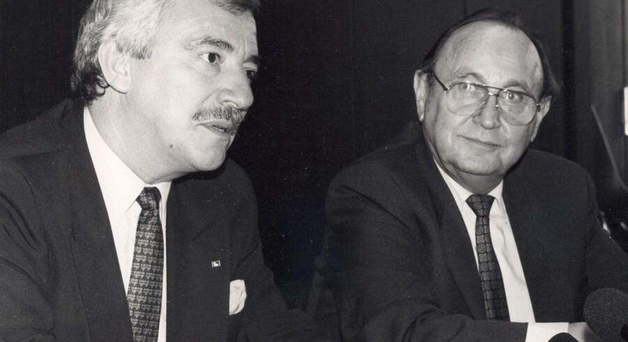 Hans-Dietrich Genscher og Uffe Ellemann-Jensen ved en pressekonference i Bonn. Privatfoto