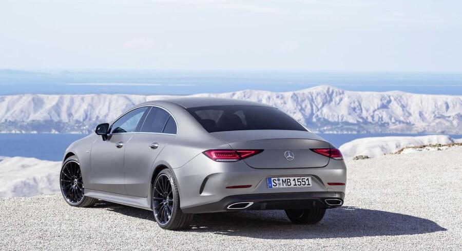 Mercedes-Benz startede bølgen med den moderne tids coupéer med mere end to døre med den første CLS Coupé i 2004, og mange andre bilproducenter er hoppet med på vognen siden da. Den nye CLS er tredje generation