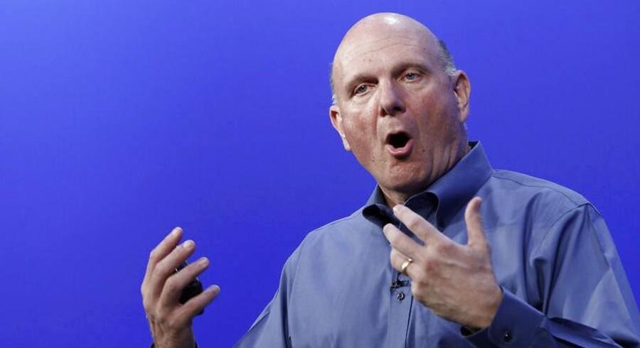 Microsofts karismatiske, gestikulerende og nogle gange kritiserede topchef Steve Ballmer meddeler nu, at han stopper inden for 12 måneder.