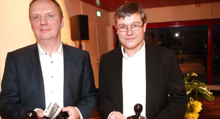 Den Berlingske Fonds Journalistpris 2015 tilfaldt Weekendavisens Hans Mortensen (t.v.) og Arne Hardis.