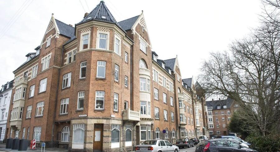 Frie priser på andelsmarkedet vil sandsynligvis få flere til at købe en ejerbolig, mener to boligøkonomer.