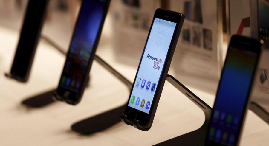 Den kinesiske mobilgigant Lenovo har med overtagelsen af Motorola sidste år købt sig bedre fodfæste på også mobilmarkedet. Og den position skal udnyttes. Arkivfoto: Bobby Yip, Reuters/Scanpix