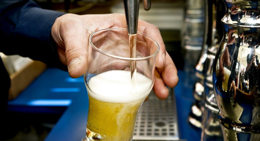 Nyt internationalt studie om alkohol får ikke de danske sundhedsmyndigheder til at ændre anbefalinger.