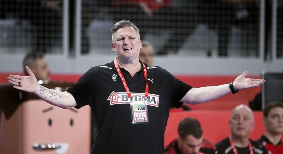 Landstræner Nikolaj Jacobsen er overrasket over, at niveauet kan falde så drastisk på hans hold, som tilfældet var i mandagens 27-28-nederlag til Tjekkiet. (Foto: Liselotte Sabroe/Scanpix 2018)