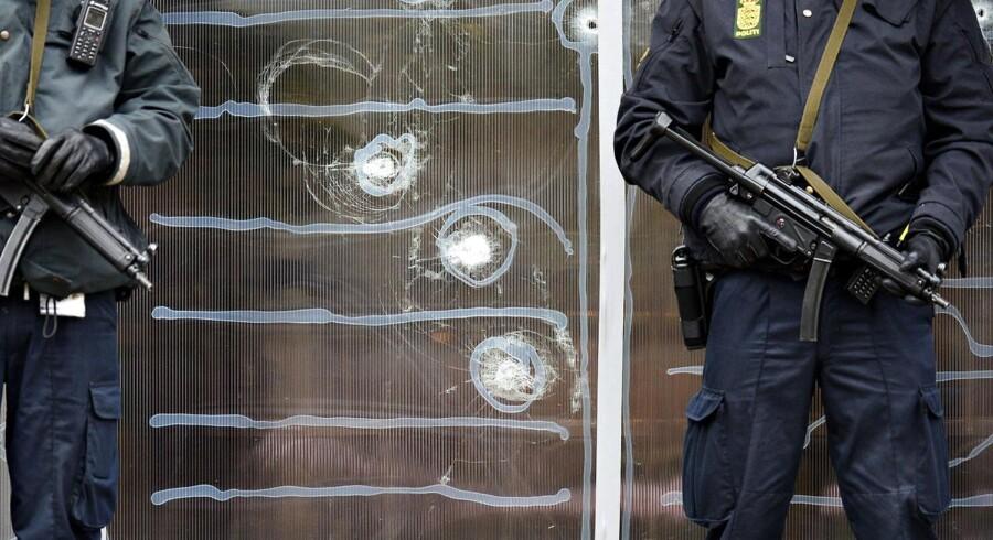 ARKIVFOTO Politiet holder vagt foran Krudttønden på Østerbro i København.