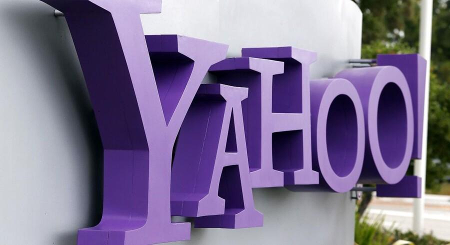 Søgetjenesten, Yahoo, der er oppe mod rivaler som Google og Facebook, har haft vanskeligt ved at fastholde markedsandele på vigtige områder som for eksempel mobil-reklame.
