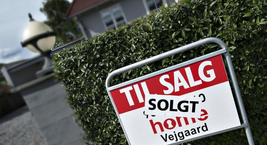Det danske boligmarked er ved at komme sig efter at være slået i gulvet af finanskrisen, men der er stadig et stykke vej til de gyldne dage fra før krisen. Det har stor betydning for, hvor godt det går for den danske økonomi. (Foto: Henning Bagger/Scanpix 2015)
