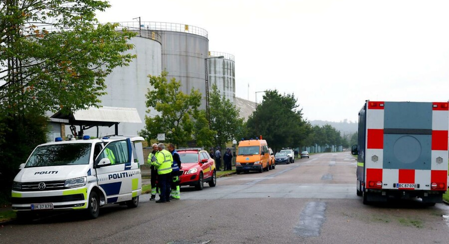 Efter udslippet af cirka 200.000 liter dieselolie torsdag i Aabenraa havn har politiet besluttet at indlede en efterforskning af sagen.