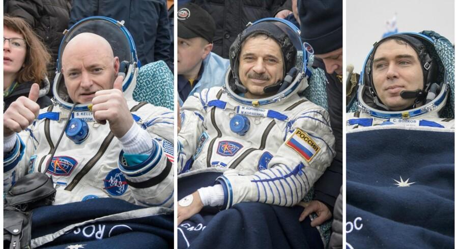 Astronaut Scott Kelly og kosmonaut Mikail Kornienko, landede onsdag helt nede på Jorden - nærmere bestem på en steppe i Kasakhstan - efter næsten et år uden direkte jordforbindelse. Med sig havde de kollegaen Sergei Volkov (t.h.)