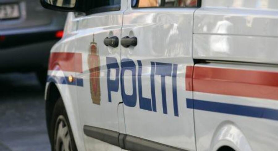 En 27-årig nordmand lokkede unge piger med, at de kunne køre med på studenterkørsel, og siden truede han dem og voldtog mange af dem, siger statsadvokat i Norge. Free/Www.colourbox.com