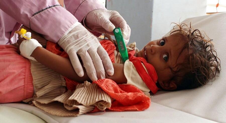 Flere end 370.000 mennesker er blevet syge, og 1800 er døde i Yemen siden april på grund af kolera.