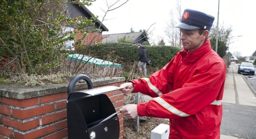 Når Post Danmark bringer post ud, kan frimærket fremover meget vel være betalt med MobilePay.