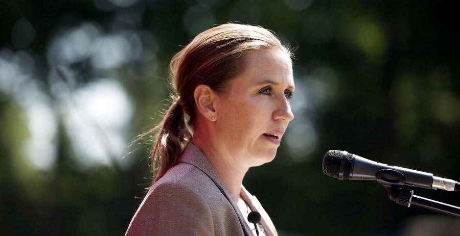 Med sin melding om at skubbe de Radikale ud i kulden kom S-formand, Mette Frederiksen, til at stå i centrum på grundlovsdag.