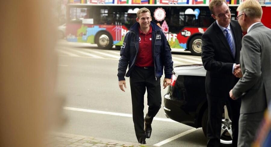 Den første danske astronaut Andreas Mogensen ankommer til Dansk Industri, hvor han skal afvikle pressemøde.