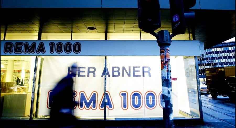Rema 1000 vil ligesom Netto, Føtex, Bilka, Aldi og en række andre butikskæder stoppe alt salg af buræg i deres butikker.