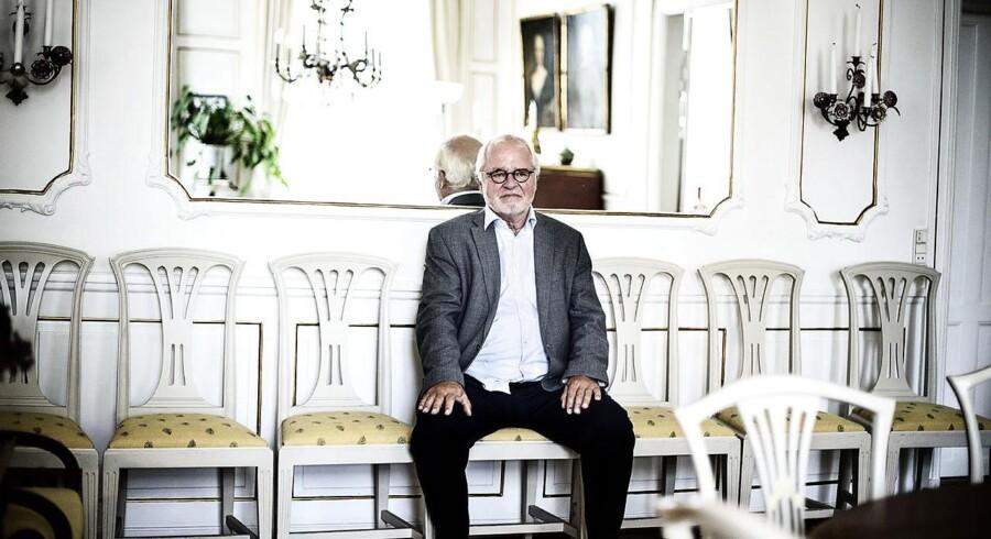 Her ses Johan Schlüter i sin lejlighed på Esplanaden. Fremover vil vi se Allan K. Pedersen der.
